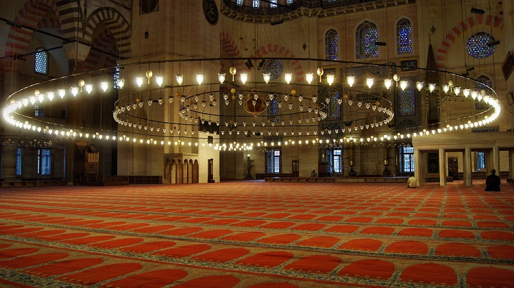 inside-blue-mosque-istanbul