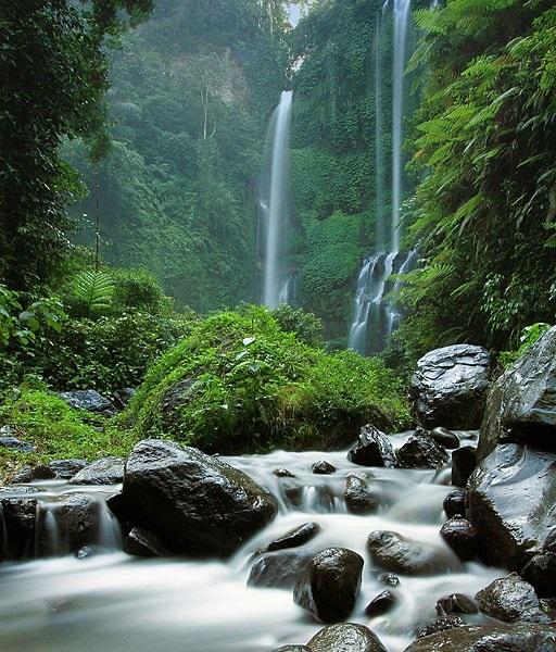 Air-Terjun-Sekumpul-Waterfall-Bali